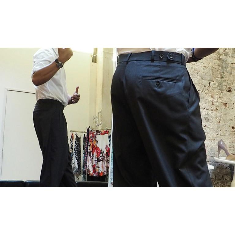 Lisadore Men - Trousers Gris Oscuro - Tres Pliegues
