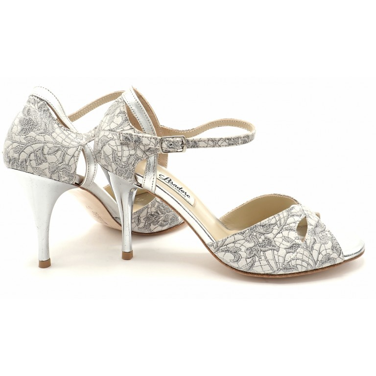 Lisadore - Flor Gris Y Blanco Butterfly